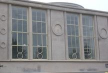 De Holland Dordrecht / Jaren lang heeft het gebouw de Holland in Dordrecht geleden onder het slechte onderhoud, verbouwingen en leegstand.  De stalen ramen die in het pand zitten hebben een tijdloos karakter en geven het pand een unieke uitstraling. Van der Vegt is dan ook trots dat zij deze ramen weer in de originelen glorie hebben mogen herstellen.