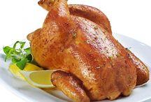 Tavuk Yemeği Tarifleri / Tavuk soteden, közlenmiş patlıcanlı tavuk poğaçaya kadar bütün tavuk yemeklerinin arz-ı endam ettiği dünyanın en büyük kümesi.