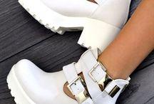 sapatos y zapatiya