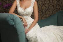 Beautiful Dresses / by Kirsten Eike
