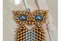 Korálky - šité / beading, beads