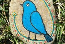 Taş boyama kuş