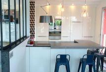 Cuisines avec verrière / Découvrez les cuisines avec verrières réalisées par les concepteurs-décorateurs Arthur Bonnet !