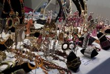 Jewelry Creation / Non è tutto oro ciò che luccica: sono anche perline, pietre, nastrini, bijoux fatti a mano. I gioielli de L'Artigiano In Fiera!