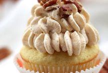 Cupcakes / by Kelley Poston Neu