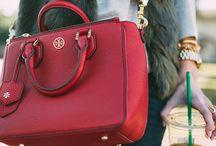 červené kabelky/ red bags