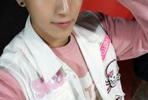 I Love Romeo ⚠ / Romeo:  Active: 2015-//// Debut date: 07.05.2015  Members: Seunghwan -10.12.1994 (23) Yunsung -19.03.1996 (21) Milo - 20.08.1996 (21) Minsung - 24.12.1996 (21) Kyle - 15.01.1997 (20) Hyunkyung - 05.09.1998 (19) Kangmin - 05.09.1999 (18)