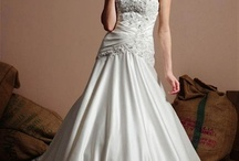 Wedding Dresses / by Amy Mckee