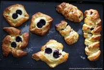 Bread and Pastries. / Homemade bread and pastries.