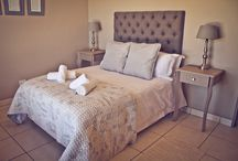 Kaleo Cottage - Die Dam Huis / These self-catering cottages were designed with relaxation and comfort in mind. This cottage take advantage of the amazing country scenery. Fully equipped kitchen and with a indoor fireplace area