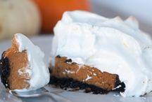 Pie pie me oh my / pie, pie crust, no bake, holidays, Christmas, Thanksgiving, shortbread, graham cracker, how to make the best pie, butter, shortening, lattice pie crust, tutorials, baking, recipes, apple, fruit, chocolate, peanut butter, blind bake, crostata, galette, hand pies, homemade, crumble, streusel