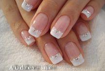 Elegant Nails   unghie  eleganti..