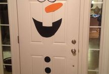 Olaf - Eine schneemännige Kindergeburtstags-Party / Viele denken, Eiskönigin ist ein reines Mädchen-Thema für den Kindergeburtstag. Wir sind da anderer Meinung. Denn Olaf ist so zuckersüß, dass man auch eine ganze Kinderparty rund um diesen kleinen Schneemann gestalten kann. Wie das geht zeigen wir Euch hier mit ein paar gesammelten Pins. Vielen schöne Ideen für die nächste Olaf-Party findest Du auch auf blog.balloonas.com #kindergeburtstag #motto #mottoparty #party #kinder #geburtstag #kids #birthday #idea #frozen #eiskönigin #olaf #schneemann