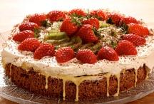 •    Skandinaviske kaker & desserter / ☛ Hvor kakeoppskriftene opprinnelig kommer fra, spiller ingen rolle. Bare de er skrevet på norsk, svensk eller dansk.