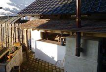 Gartenideen mit historischen Baustoffen / Gartenideen mit historischen Baustoffen, wie historische Backsteine, alte Scheunenbalken, Natursteine und Dachziegeln.