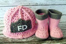 Crocheting/knitting / by Amanda Knighten