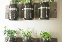 Reciclaje & estilo ✨ / Formas entretenidas de reciclar en espacios de tu hogar, usa lo que ya no sirve, usa botellas, frascos y hasta pallets para decorar tu casa con estilo y ayudando nuestro planeta