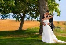 Esküvői fotózás, esküvő képekben / Az esküvői fotózás a legösszetettebb feladat a fotósok számára. Az esküvői fotós számára a folyamatos készültség, kreatív gondolkodás és természetesen a megfelelő szaktudás elengedhetetlen a pillanatok megörökítéséhez.  http://zoomstudio.hu/eskuvoi-fotos/