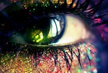 holograms beauty  / hologram make up  holograms kiss  holgrams trend and fashion