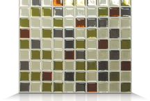 Mosaik DIY Smart Tiles Collection / The MOSAIK Smart Tiles collection is just right for creating stunning backsplashes and allow you to cover a large surface like kitchen walls or bathroom walls. The tiles can be installed by anyone without making any mess in no time thanks to our unique innovation.