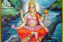 -.Maa Ganga (Madre Ganges) o Ganga Devi (Diosa Ganges).- / =.Ganga es una manifestación que surgió del Ser Supremo. Su vista inspira y eleva el alma.Poder contemplar a Ganga en Rishikesh eleva el alma.Sentarse durante unos minutos en un bloque de piedra a orillas de Ganga es una bendición.Permanecer durante unos meses en Rishikesh a orillas de Ganga,realizando determinados ritos y repitiendo el propio Mantra,constituye un gran ejercicio de austeridad(Tapas) que conduce al aspirante a la morada del Ser Supremo.Swami Sivananda Sraswati.Rishikesh.= / by Manuel Galvez