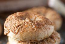Food / Cinnamon bagels