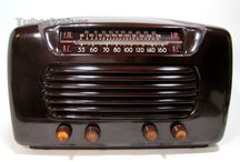 TUBE VALVE RADIOS / A look back at the numerous styles of Tube/Valve radios, ranging from Deco, Moderne, Industrial, Wood, Bakelite, Catalin from designer, stylish, amusing to basically ugly! Its all in the mind of the viewer