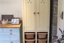 Freestanding Larder Cupboards / Our freestanding larder cupboards not only allow you to enjoy owning a stylish & traditionally inspired pantry unit but will provide ample & practical additional storage to your kitchen. They can be made in any size & colour in incorporating as many or as few elements from each design.