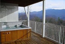 Gatlinburg Cabins / These are some of the most fantastic cabins for rent in Gatlinburg, Tennessee.  We hope you enjoy searching them if you are coming to the Smokies!