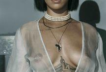 01 - Rihanna