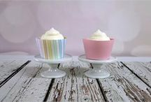 Fabric Cupcake Wrappers / Handmade Fabric Cupcake Wrappers with an added Snap to fasten around your favorite treat.