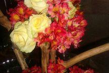 Arreglos con flores / by Xuxo Lopez A