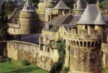 Châteaux médiévaux et plus...