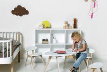Oliver Furniture / Oliver Furniture er et autentisk og sjarmerende konsept med møbler for barn og voksne designet av Søren Rørbæk. Stiftelsen kommer fra de gamle skandinaviske møbler tradisjoner. Oliver Furniture har hatt stor suksess siden den gang, og vi er så stolte av å kunne tilby dere alle de fine produktene deres.