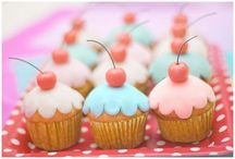 cupcakes / by Robyn Bedsaul