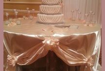 Cake Table Idea / Dressing up your cake table and sweetheart table is a simple way to add special touches to your wedding without breaking the bank.