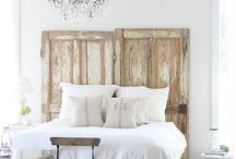bedroom / Master bedroom ideas and inspiration. Touches of monochrome, filled with pretty dreams