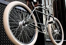 Bikes / Bikes & Vélos