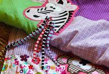 Nähen - Krabbeldecken / Einzigartige Geschenke zur Geburt - DIY - Ideen und Inspirationen für personalisierte Krabbeldecken, Kuscheldecken und Babydecken