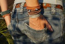bracelets / The bracelets are handmade in Lucerne, Switzerland. They are made of leather, beads and buttons.