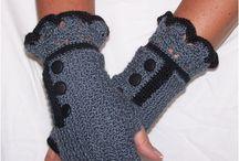 Crochet Gloves/Hats/Purse / by Noël Crave