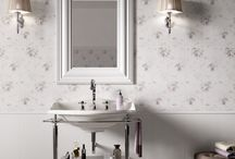 Athena collection / Reflecting wallpaper-style patterns, Athena is inspired by the most elegant designs. Decorations and floral motifs are a treat for the eye, creating new panelling, able to satisfy the requirements of modern architecture. A collection in four neutral colours, for rooms with classic, inimitable luxury.
