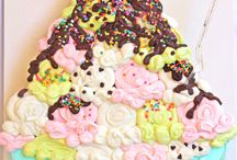 Cakes to Decorate / by Trudy Evans