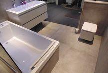 Betonlook tegels / Tegels die geïnspireerd zijn op betonnen vloeren met de eigenschap van een keramische tegel