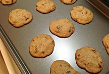 Cookies / We love cookies and try to find the perfect recipe out there for any type of cookie!