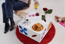table modulable ANGELIQUE / 6 faces / 6 fonctions / 6 ambiances. eposé à la Biennale Internationale de Design de St Etienne 2002