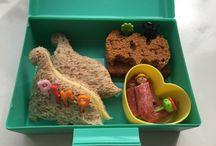 Bento / Dutch Bento / pimp je lunch / Hier vind je al onze lunchbox ideeën! Wij maken gebruik van de Tussen Schoolse Opvang (TSO) en hiervoor maak ik v de leukste lunchtrommels klaar. Deze lunchbox ideeën maak ik zelf op maandagmorgen, voor school, in nog geen 10 minuten klaar. Ze zijn niet moeilijk en echt door iedereen te maken (ook door papa's). Dus doe hier je inspiratie op!