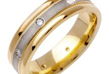 Women Wedding Bands / Wedding bands are used to exchange during the wedding ceremony, the happiest moment of your life. Our stunning wedding bands are the best way to stay committed with your significant order.