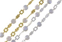 your perfect Christmas pearls / Merry Christmas and Happy Holidays! We bring you some new selections of re-imagined pearl jewelry with very special prices giving new meaning affordable luxury! But hurry, when the New year comes in, these specials prices go out!