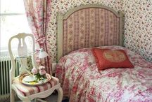 Wallpaper and Murals / by Beach Rose Cottage